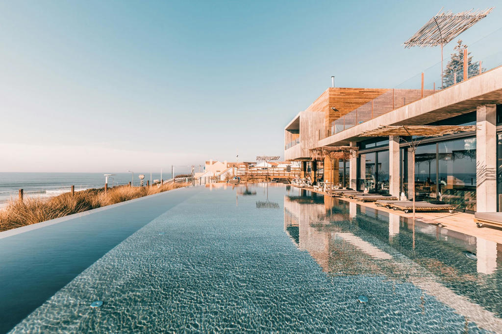 15 dreamy hotels in Portugal for a post lockdown holiday. Hotels with pool in Portugal -