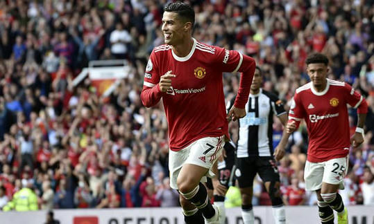 Cristiano Ronaldo praises 'magical' Old Trafford atmosphere after two-goal Manchester United return