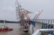 Brazilian Sail Training Ship Cisne Branco Strikes Bridge Off Guayaquil, Ecuador